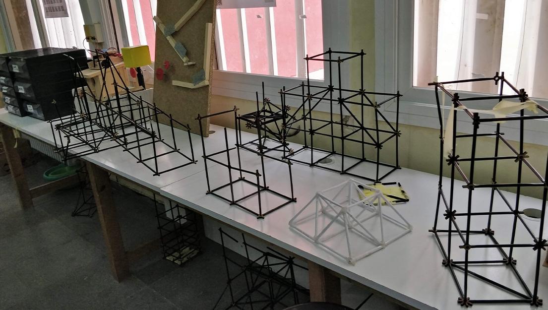 Estructures i esforços mecànics_1